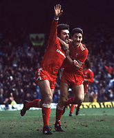 Fotball<br /> England <br /> Foto: Colorsport/Digitalsport<br /> NORWAY ONLY<br /> <br /> John Wark (Liverpool) celebrates his goal with Ian Rush. Liverpool v Manchester United. 9/2/86.