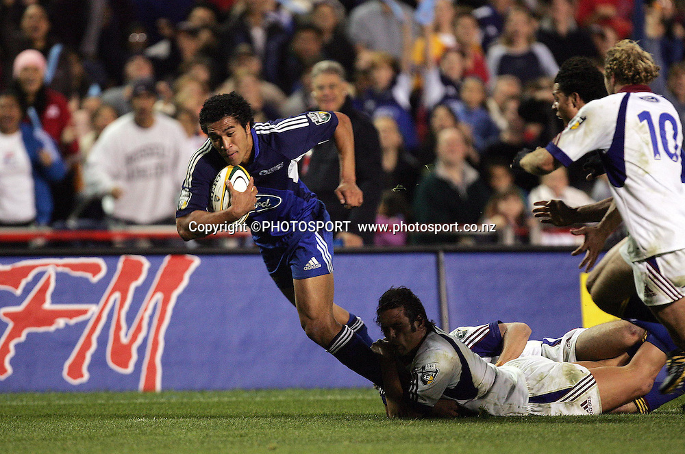 8 May, 2004. Rugby Union Super 12. Eden Park, Auckland, New Zealand. Blues v Highlanders.<br /> Malili Muliaina.<br /> The Blues won the match, 50 - 22.<br /> Please credit: Andrew Cornaga/Photosport