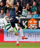 FODBOLD: Erik Moberg (Viborg) presses hårdt af André Riel (FC Helsingør) under playoff-kampen til ALKA Superligaen mellem Viborg FF og FC Helsingør den 4. juni 2017 på Energi Viborg Arena. Foto: Claus Birch
