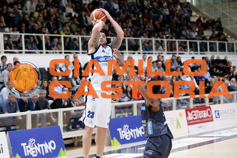 Christian Burns<br /> Dolomiti Energia Aquila Basket Trento - Germani Basket Brescia Leonessa<br /> Lega Basket Serie A 2016/2017<br /> PalaTrento, 23/04/2017<br /> Foto Ciamillo-Castoria / M. Brondi