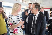 05 JUN 2018, BERLIN/GERMANY:<br /> Manuela Schwesig (L), SPD, Ministerpraesidentin Mecklenburg-Vorpommern, und Heiko Maas (R), SPD, Bundesaussenminister, im Gespraech, Spargelfahrt des Seeheimer Kreises der SPD, Anleger Wannsee<br /> IMAGE: 20180605-01-082