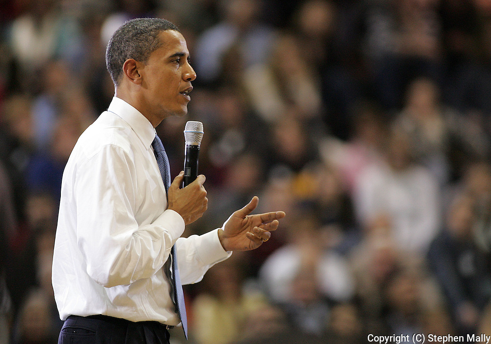10 February 2007:  Democratic presidential hopeful Senator Barack Obama (D-IL) speaks at a town hall meeting at Kennedy High School in Cedar Rapids, Iowa on February 10, 2007.