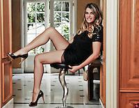 Val&eacute;rie PEREZ est revenue  vers le petit &eacute;cran au mois d'octobre 2009.<br /> Elle avait &eacute;t&eacute; &quot;Madame OL T&eacute;l&eacute;&quot; puis avait pr&eacute;sent&eacute; le football sur Foot 3, particip&eacute; &agrave; <br /> Roland Garros, &agrave; Stade 2 , aux JO d'Ath&egrave;nes et &agrave; l'Euro 2004 sur France <br /> T&eacute;l&eacute;vision. Apr&egrave;s un passage de quelques ann&eacute;es &agrave; la Ligue de Football, <br /> elle revient pour animer plusieurs rubriques sur mcetv.fr, la chaine d&eacute;di&eacute;e <br /> &agrave; la vie &eacute;tudiante...