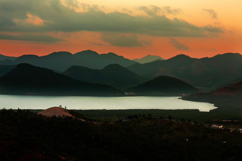 Sunset viewed from top of Mount Tapyas, in Coron, Philippines. Copyright 2015 Reid McNally.