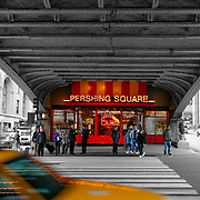 Pershing Square bridge BW, New York, United States (March 2005)