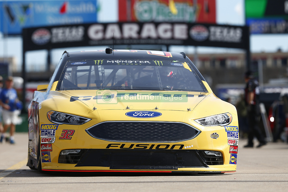 November 2, 2018 - Ft. Worth, Texas, United States of America - Matt DiBenedetto (32) takes to the track to practice for the AAA Texas 500 at Texas Motor Speedway in Ft. Worth, Texas. (Credit Image: © Justin R. Noe Asp Inc/ASP via ZUMA Wire)