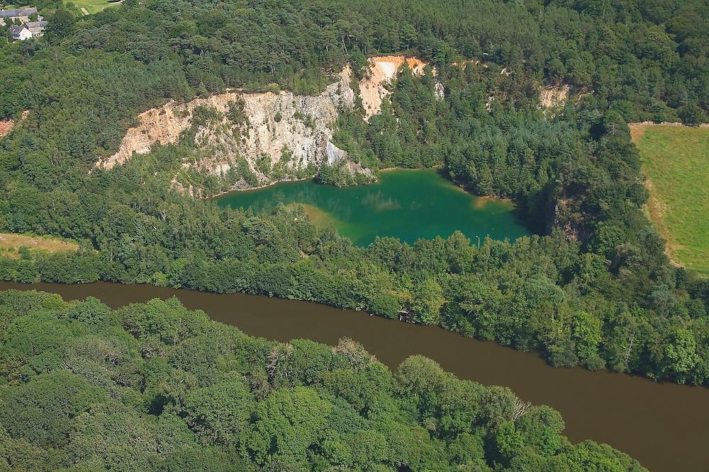 Lac bleu pres de la Vilaine à Laillé