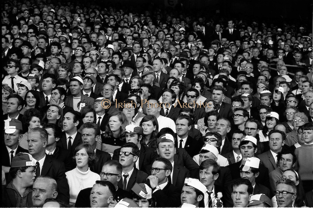 06/09/1970<br /> 09/06/1970<br /> 6 September 1970<br /> All-Ireland Senior Hurling Final: Cork v Wexford at Croke Park, Dublin. <br /> <br /> The crowd at the All-Ireland Senior Hurling Final.