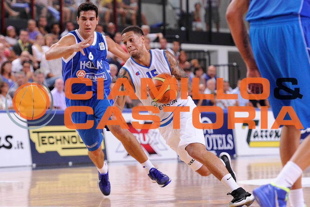 DESCRIZIONE : Rimini Trofeo Tassoni Italia Greece Italy Grecia<br /> GIOCATORE : Daniel Hackett<br /> CATEGORIA : palleggio<br /> SQUADRA : Nazionale italia<br /> EVENTO : Trofeo Tassoni<br /> GARA : Italia Greece Italy Grecia<br /> DATA : 14/08/2011<br /> SPORT : Pallacanestro<br /> AUTORE : Agenzia Ciamillo-Castoria/C.De Massis<br /> Galleria : Fip Nazionali 2011 <br /> Fotonotizia : Rimini Trofeo Tassoni Italia Greece Italy Grecia<br /> Predefinita :