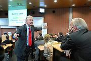 Nederland 19 december 2008<br /> Tom Peters tijdens een seminar voor managers op Nyenrode Business Universiteit.<br /> Peters is co-auteur van de bestseller In search of excellence.<br /> Foto: Jan Boeve