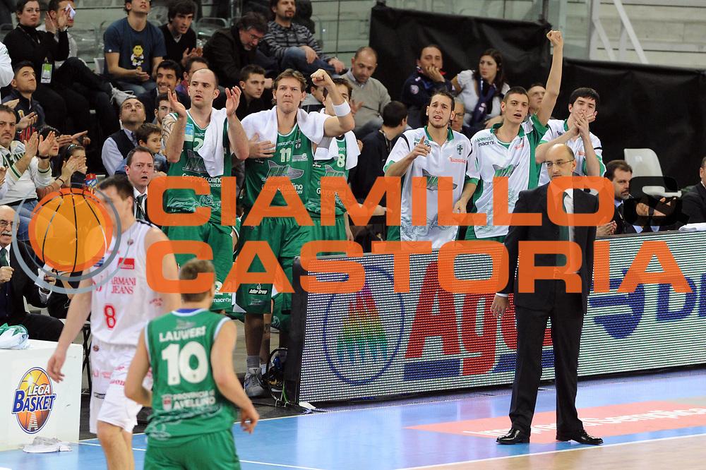 DESCRIZIONE : Torino Coppa Italia Final Eight 2011 Quarti di Finale Armani Jeans Milano Air Avellino<br /> GIOCATORE : Esultanza Air Avellino<br /> SQUADRA : Air Avellino<br /> EVENTO : Agos Ducato Basket Coppa Italia Final Eight 2011<br /> GARA : Armani Jeans Milano Air Avellino <br /> DATA : 11/02/2011<br /> CATEGORIA : esultanza<br /> SPORT : Pallacanestro<br /> AUTORE : Agenzia Ciamillo-Castoria/GiulioCiamillo<br /> Galleria : Final Eight Coppa Italia 2011<br /> Fotonotizia : Torino Coppa Italia Final Eight 2011 Quarti di Finale Armani Jeans Milano Air Avellino<br /> Predefinita :
