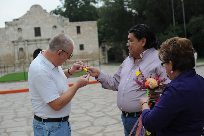 David and Oralia Espinoza, owners of Spring Garden Flower Shop in San Antonio, pose in front of the Alamo Thursday, September 9, 2010. (Photo © Bahram Mark Sobhani)