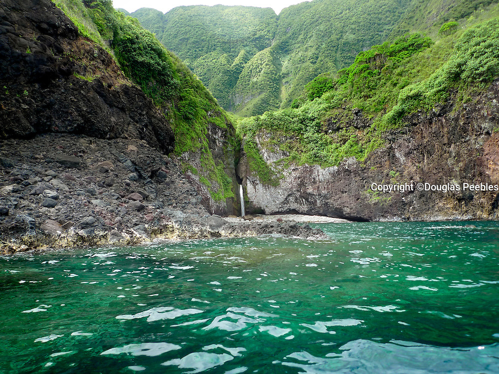 Ha'upu Bay, North Shore, Molokai, Hawaii
