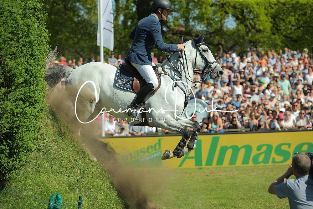 Ahlmann Dirk, (GER), Carosso<br /> German Jumping Derby<br /> Hamburg - Hamburger Derby 2016<br /> &copy; Hippo Foto - Stefan Lafrentz