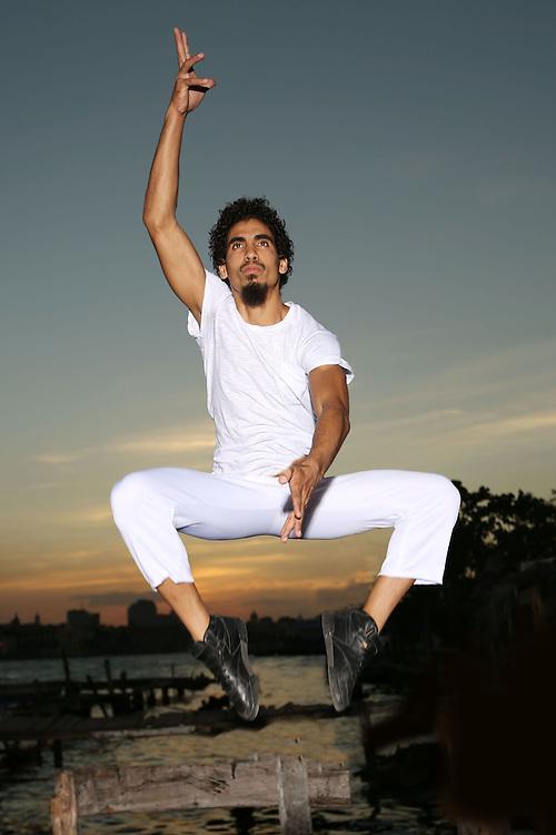 Norge Cedeno, Havana Cuba dancer, member of Danza Contemporánea de Cuba