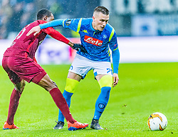 14.03.2019, Red Bull Arena, Salzburg, AUT, UEFA EL, FC Red Bull Salzburg vs SSC Napoli, Achtelfinale, Rückspiel, im Bild v.l. Enock Mwepu (FC Salzburg), Piotr Zieliński (SSC Napoli) // during the UEFA Europa League round of 16, 2nd leg match between FC Red Bull Salzburg and SSC Napoli at the Red Bull Arena in Salzburg, Austria on 2019/03/14. EXPA Pictures © 2019, PhotoCredit: EXPA/ Stefan Adelsberger