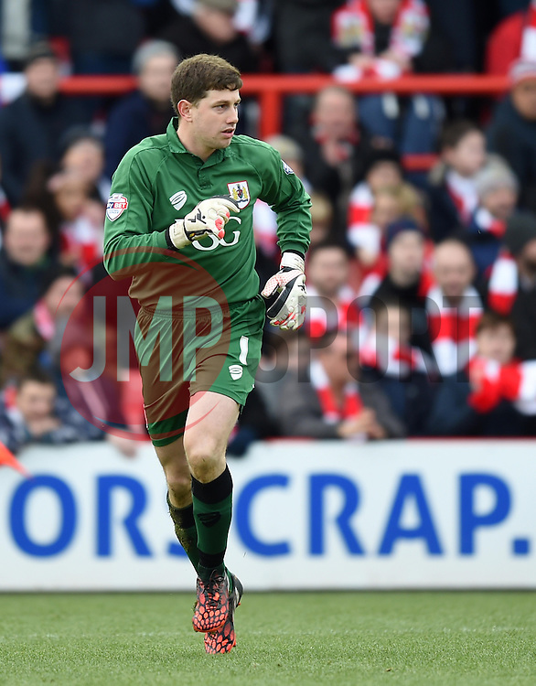 Bristol City goalkeeper, Frank Fielding in action during the FA Cup fourth round match between Bristol City and West Ham United at Ashton Gate on 25 January 2015 in Bristol, England - Photo mandatory by-line: Paul Knight/JMP - Mobile: 07966 386802 - 25/01/2015 - SPORT - Football - Bristol - Ashton Gate - Bristol City v West Ham United - FA Cup fourth round