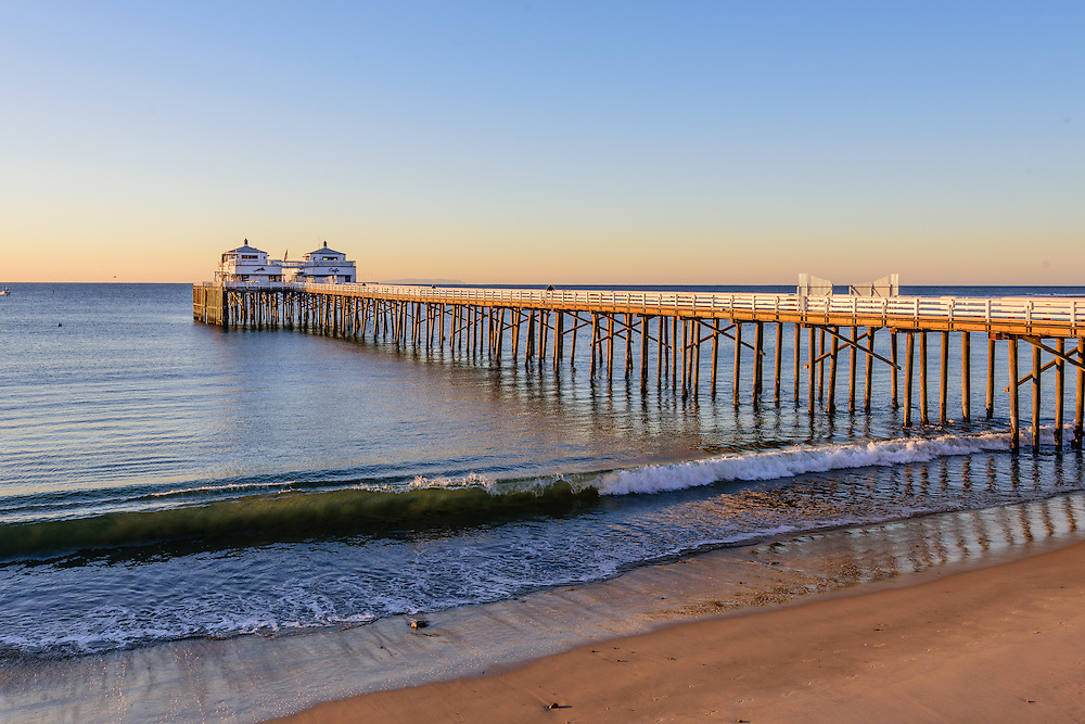 Malibu Surfrider Beach, Pier, California