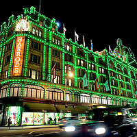 LONDON, ENGLAND - OCTOBER 29: General View of the Harrods Department Store after Dannii Minogue and Mohamed Al Fayed switched on the Christmas lights at Harrods on October 29, 2009 in London, England....***Agreed Fee's Apply To All Image Use***.Marco Secchi /Xianpix. tel +44 (0) 771 7298571. e-mail ms@msecchi.com .www.marcosecchi.com