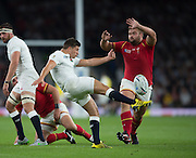 Twickenham, Great Britain,     Ben YOUNGS kicking clear.during the Pool A Game, England vs Wales.  2015 Rugby World Cup, Venue, The RFU Stadium, Twickenham, Surrey, ENGLAND. Saturday   26/09/2015  [Mandatory Credit; Peter Spurrier/Intersport-images]