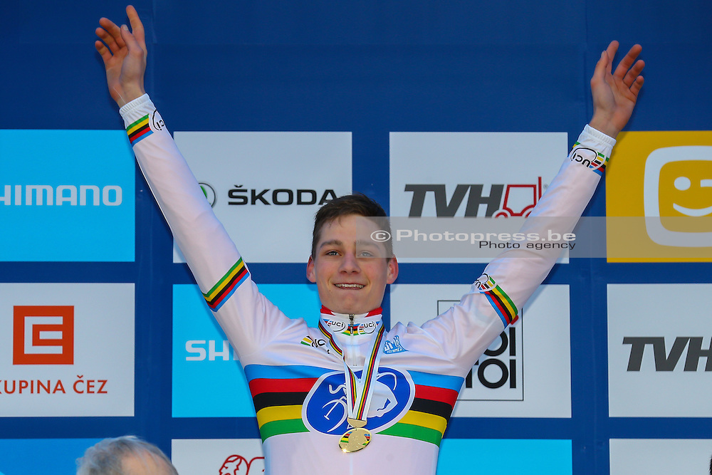CZECH REPUBLIC / TSJECHIE / TABOR / CYCLING / WIELRENNEN / CYCLISME / VELDRIJDEN / CYCLOCROSS / WORLD CHAMPIONSHIPS CYCLOCROSS 2015 / WERELDKAMPIOENSCHAP VELDRIJDEN 2015 / CHAMPIONNAT DU MONDE 2015 / ELITE / PODIUM / VAN DER POEL MATHIEU (NED) /
