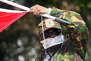 Foto: Gerrit de Heus. Den Haag. 02-04-14. Ongeveer twintig mensen demonstreerden bij de Indonesische ambassade voor vrijlating van politieke gevangenen in West-Papoea. Een land dat door Indonesië is geannexeerd. De Haagse Ottis Wawar demonstreert mee. Hij is de zoon van de bekende vrijheidsstrijder Jimmy Wawar.