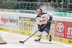 20.02.2015, Curt-Frenzel-Stadion, Augsburg, GER, DEL, Augsburger Panther vs EHC Red Bull München, 49. Runde, im Bild Daryl Boyle #6 (EHC Red Bull Muenchen) // during Germans DEL Icehockey League 49th round match between Adler Mannheim and Grizzly Adams Wolfsburg at the Curt-Frenzel-Stadion in Augsburg, Germany on 2015/02/20. EXPA Pictures © 2015, PhotoCredit: EXPA/ Eibner-Pressefoto/ Kolbert<br /> <br /> *****ATTENTION - OUT of GER*****