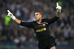 FC Barcelona's Victor Valdes celebrates goal during the UEFA Champions League Final match in Roma.May 27 2009.