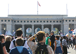 24.09.2011, Heldenplatz, Wien, AUT, Tag des Sports, im Bild Feature Menschenansammlung am Heldenplatz beim Tag des Sports // during the Tag des Sports, at Heldenplatz, Vienna, 2011-09-24, EXPA Pictures © 2011, PhotoCredit: EXPA/ M. Gruber