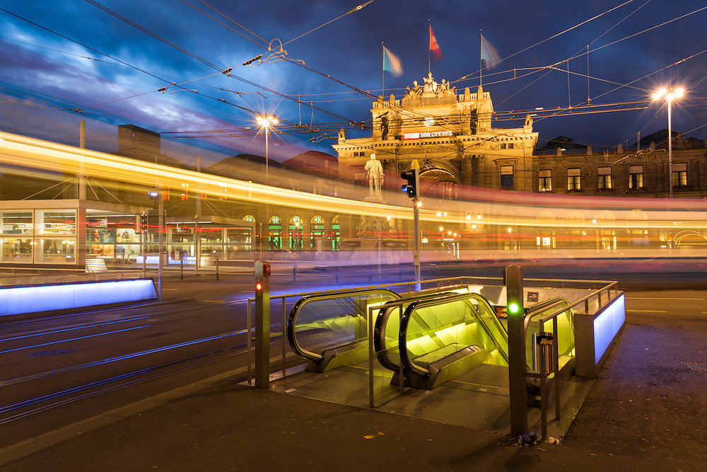 Europe, Switzerland, Zuerich, Main train station and bahnhofstrasse at night