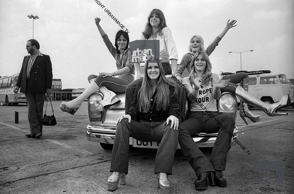 Joan Jet and The Runaways - Heathrow London 1980