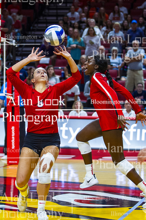 BLOOMINGTON, IL - September 14: Stef Jankiewicz sets for Emmy Ogogor during a college Women's volleyball match between the ISU Redbirds and the University of Central Florida (UCF) Knights on September 14 2019 at Illinois State University in Normal, IL. (Photo by Alan Look)