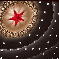 BEIJING, NOV. 8, 2012 : ein Stern an der Decke der  Grossen Halle des Volkes.