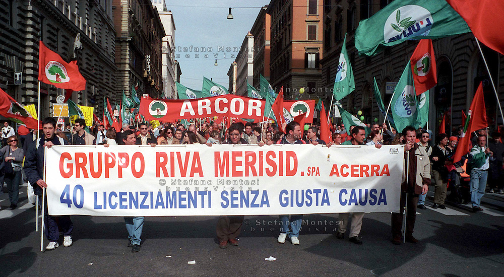 Roma 02-03-2002..Manifestazione nazionale dell'Ulivo contro il Governo Berlusconi...02/03/2002 Rome..National demonstration against the Berlusconi government of the Olive Tree coalition ...