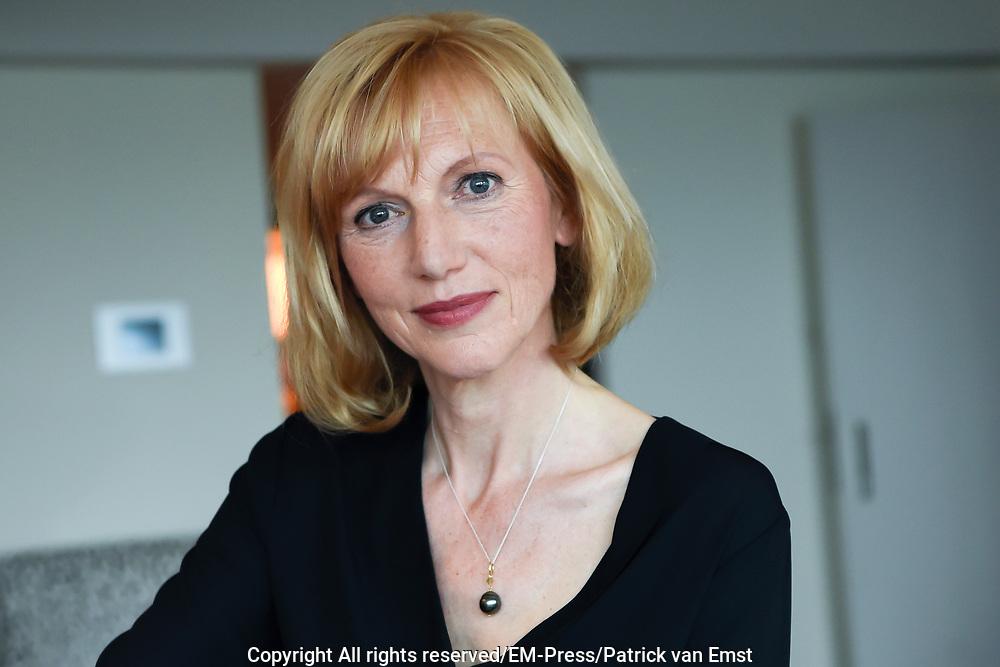 Setbezoek van de KPN TV-Serie Brussel , die eind 2016 via  online en via interactieve tv wordt uitgezonden.<br /> <br /> Op de foto:  Johanna ter Steege