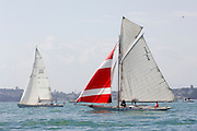 222 and C6 start the around Rangitoto race of the Lindauer Classic Yacht Regatta. 18/2/2006