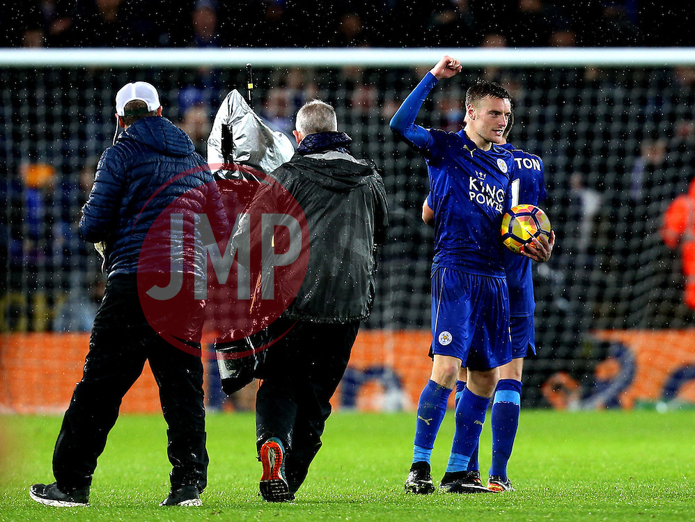 Jamie Vardy of Leicester City celebrates scoring a hat-trick with the match ball at full time - Mandatory by-line: Robbie Stephenson/JMP - 10/12/2016 - FOOTBALL - King Power Stadium - Leicester, England - Leicester City v Manchester City - Premier League