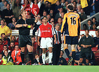 Referee Graham Poll shows the 2nd yellow and red card to Liverpools Dietmar Hamann. Arsenal 2:0 Liverpool, F.A.Carling Premiership, 21/8/2000. Credit : Colorsport / Stuart MacFarlane.