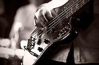 Intimkonsert med Mahogni p&aring; Ocean Sound Recordings p&aring; Giske. Marius L. Petersen p&aring; vokal/gitar, Hogne Aarflot p&aring; bass, Jan Ivar Wolstad p&aring; trommer og Erlend Alm Lerstad p&aring; tangenter.<br /> Foto: Svein Ove Ekornesv&aring;g