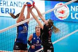 20180218 NED: Bekerfinale Eurosped - Sliedrecht Sport, Hoogeveen <br />Carlijn Ghijssen- Jans (10) of Sliedrecht Sport, Rochelle Wopereis (12) of Team Eurosped<br />©2018-FotoHoogendoorn.nl