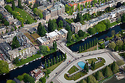 Nederland, Amsterdam, stadsdeel Zuid 25-05-2010. Valeriusplein met Het Amsterdams Lyceum, water van de Pieter Lastmankade en Jan van Goyenkade. Van Heutsz-monument. .Playing grounds in the southern part of the city.luchtfoto (toeslag), aerial photo (additional fee required).foto/photo Siebe Swart
