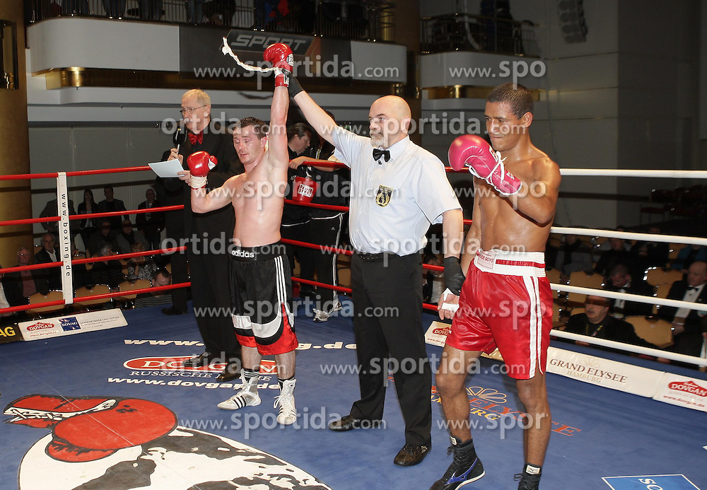 28.01.2012, Grand Elysee Hotel, Hamburg, GER, Universum Boxing Fight Night, im Bild Vitali TAJBERT (Deutschland) vs Jose Luis GRATEROL (Venezuela) // during weigh for the Universum Boxing Fight Night in Hamburg at the Grand Elysee Hotel, Germany 2012/01/28. EXPA Pictures © 2012, PhotoCredit: EXPA/ Eibner/ Andre Latendorf..***** ATTENTION - OUT OF GER *****