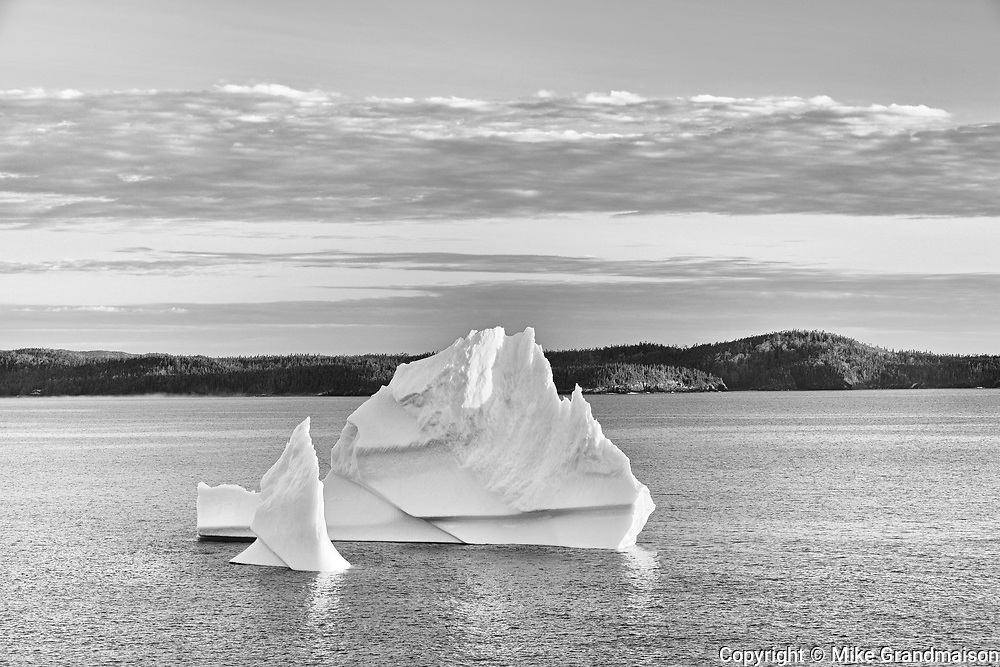 Icebergs floating in Salvage Bay of the Atlantic Ocean<br />