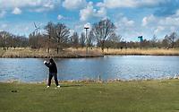 AMSTERDAM -  Openbare Golfbaan De Hoge Dijk in Amsterdam. Holendrecht baan. COPYRIGHT KOEN SUYK