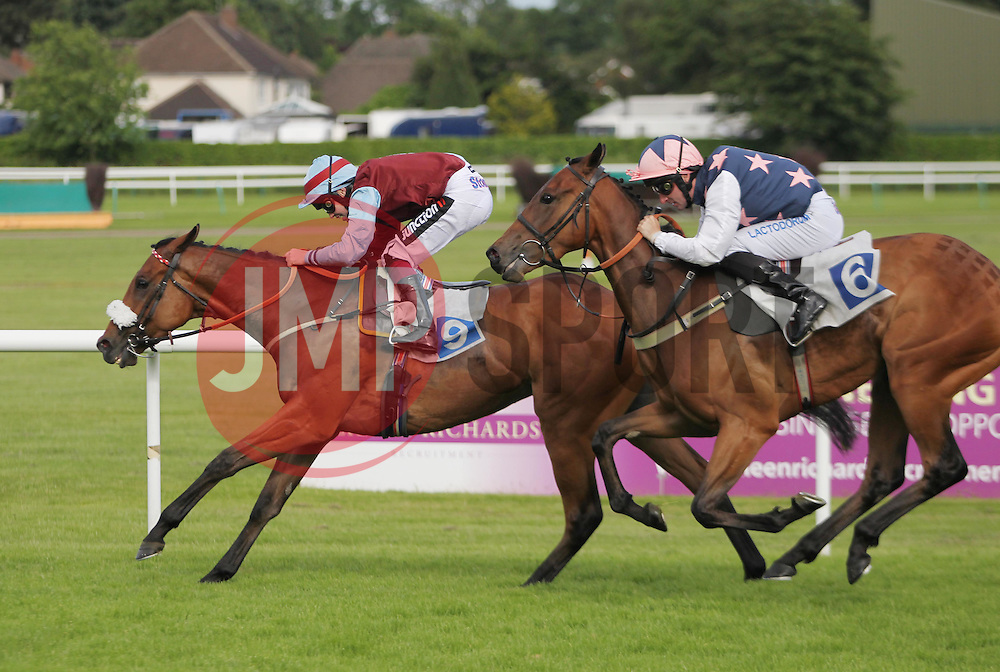 Young Tom ridden by Andrew Mullen wins the 6.10 the Leicester Interactive Handicap Stakes ahead of Fishergate ridden by Adam Beschizza (R) - Mandatory by-line: Jack Phillips/JMP - 21/06/2016 - HORSE RACING - Leicester Racecourse - Leicester, England - Leicester Racing