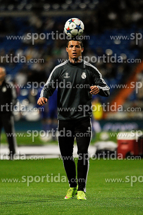 10.03.2015, Estadio Santiago Bernabeu, Madrid, ESP, UEFA CL, Real Madrid vs Schalke 04, Achtelfinal, R&uuml;ckspiel, im Bild Real Madrid&acute;s Cristiano Ronaldo // during the UEFA Champions League Round of 16, 2nd Leg match between Real Madrid and Schakke 04 at the Estadio Santiago Bernabeu in Madrid, Spain on 2015/03/10. EXPA Pictures &copy; 2015, PhotoCredit: EXPA/ Alterphotos/ Luis Fernandez<br /> <br /> *****ATTENTION - OUT of ESP, SUI*****
