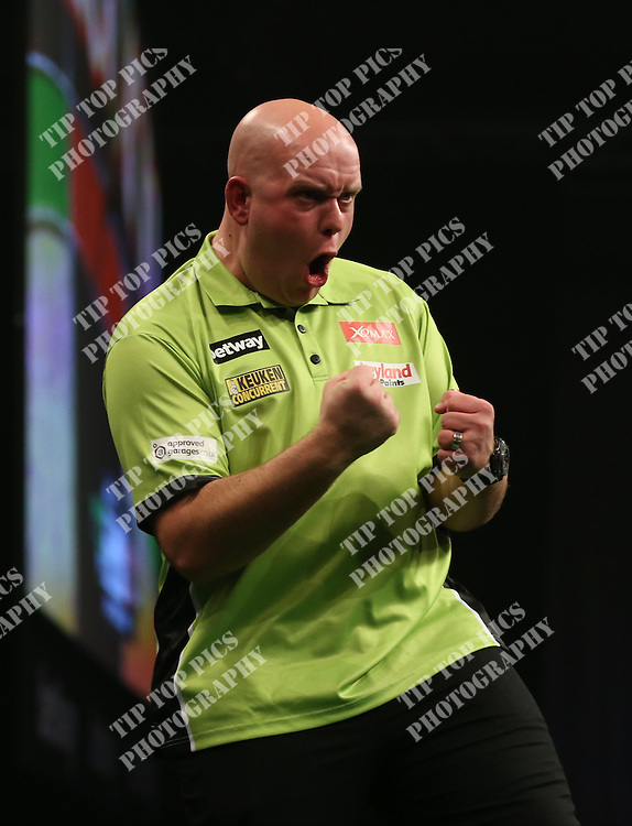 PDC PREMIER LEAGUE DARTS 2016, DARTS, EXETER, PDC,MICHAEL VAN GERWEN, PETER WRIGHT, TIPTOPPICS.COM<br /> PHOTO:CHRIS SARGEANT
