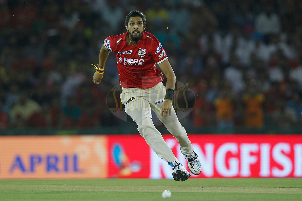 Ishant Sharma of Kings XI Punjab in action during match 33 of the Vivo 2017 Indian Premier League between the Kings XI Punjab and the Sunrisers Hyderabad held at the Punjab Cricket Association IS Bindra Stadium in Mohali, India on the 28th April 2017<br /> <br /> Photo by Deepak Malik - Sportzpics - IPL