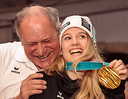 22.02.2018, Austria House, Pyeongchang, KOR, PyeongChang 2018, Medaillenfeier, im Bild v.l. Peter Mennel, Anna Gasser (AUT) mit ihrer Goldmedaille // f.l. Austrian Olympic Committee Peter Mennel and gold medalist and Olympic champion Anna Gasser of Austria shows her gold medal during a medal celebration of the Pyeongchang 2018 Winter Olympic Games at the Austria House in Pyeongchang, South Korea on 2018/02/22. EXPA Pictures © 2018, PhotoCredit: EXPA/ Johann Groder