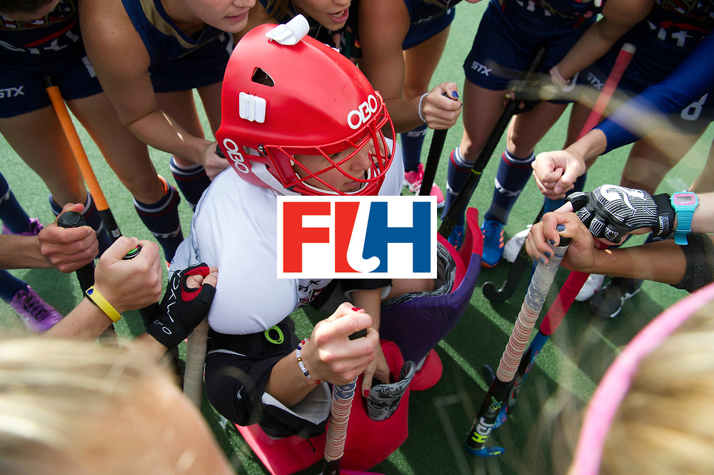 AUCKLAND - Sentinel Hockey World League final women<br /> Match id 10291<br /> USA v KOR (Pool A)<br /> Foto:  Huddle USA with the goalkeeper in the middle.<br /> WORLDSPORTPICS COPYRIGHT FRANK UIJLENBROEK